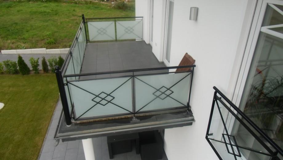 Balkon mit Betonplatten